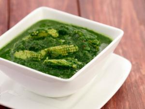 Palak Baby Corn Subzi Low Calorie By Tarla Dalal