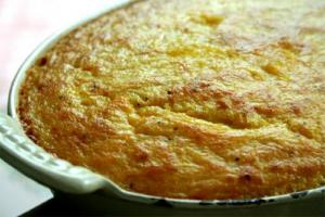 Garlic Cheese And Grits Casserole