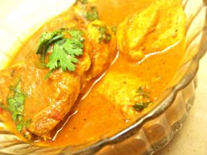 Curried Chicken in Spicy Tangy Sauce