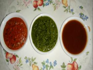 Tomato Chutney, Dhaniya (Coriander) Chutney, Khajur Imli (Date Tamarind) Chutney