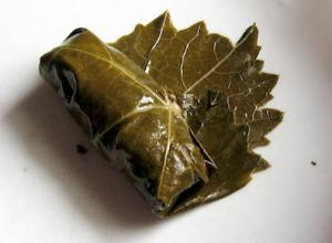 Stuffed Grapevine Leaves - Part 1 : Making the Stuffing
