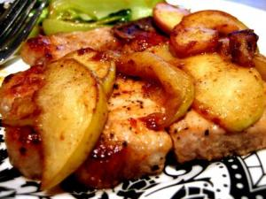 Pork Chops With Apple And Cinnamon