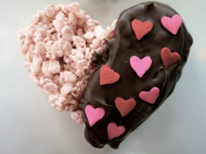 How to Make Valentine's Rice Crispy Treats
