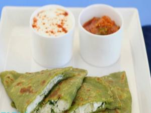 Spinach and Paneer Parathas by Tarla Dalal