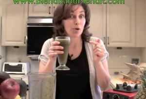 Anti Aging Lettuce and Grape Smoothie