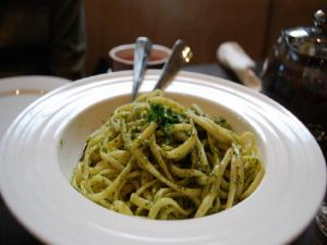 Pasta with Parsley and Garlic in Olive Oil