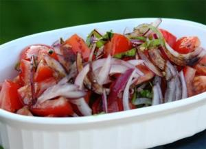 Tomato Mint And Red Onion Salad