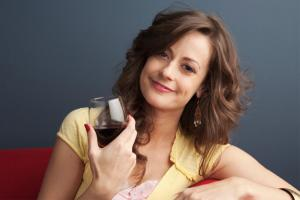 Drink a glass of wine daily for these six benefits