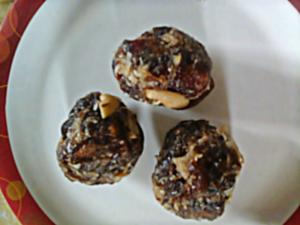 Dry Fruits Khajoor Laddu