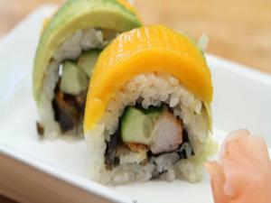 How to Make Sushi - Avocado Mango Rolls