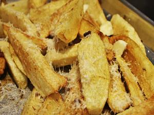 Cheryls Home Cooking / Cheesy Potato Wedges