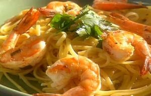 Preparing Shrimp in White Wine and Linguini