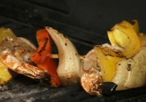 Balsamic Marinated Shrimp and Bell Pepper Brochettes