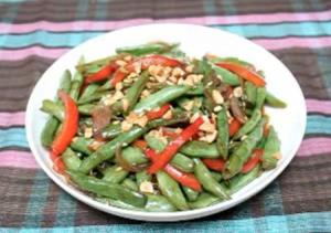Asian-Style Green Bean Stir-Fry