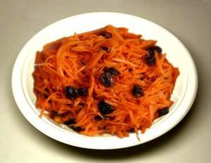 Carrots In Raisins