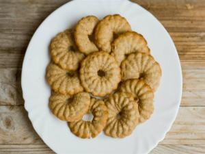 Black Pepper and Balsamic Vinegar Cookies
