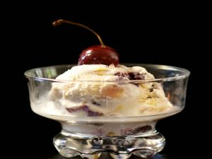Stemilt Cherry & Peach Ice Cream