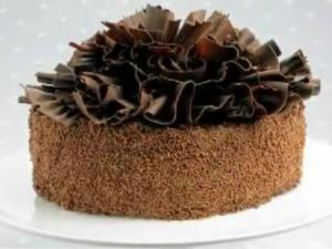 How To Make Chocolate Ruffle Cake