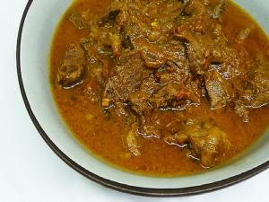 Spicy and Sour Tomato Mutton Curry