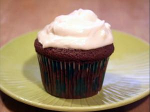 Irish Cream Cupcakes: Cupcake Show #19