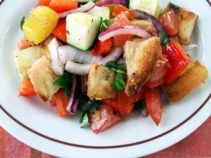 Fresh Panzanella Salad