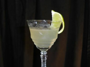 How To Make a Vodka Gimlet