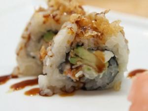 How to Make Sushi - Creamy Crunch Rolls
