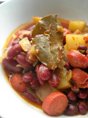 Kidney Beans with Beef Franks