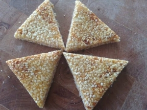 How to make Til Chikki- Sesame Brittle (Makar Sakranti Special)