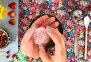 Caramel Decoration- How to Create Sugar Thread