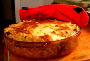 Baked Macaroni with Tomatoes and Cheese