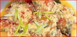 Fish Sarciado (Sarshiadong Isda) - Filipino Fried Fish in Sauce