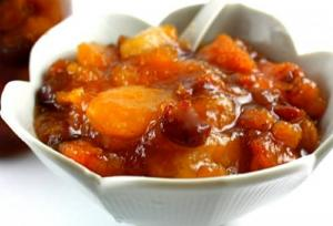 Ginger Fresh Peach Chutney