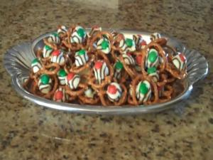 Lynn's Holiday Pretzel Treats