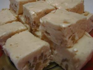 Betty's Snowy White Christmas Fudge