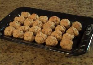 Easy bisquick sausage cheese ball recipe