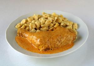 Csirke Paprikas