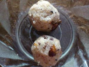 Homemade Rava Laddu