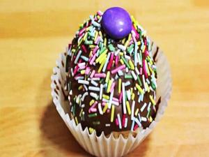 How to Make Rainbow Sprinkle Cupcake