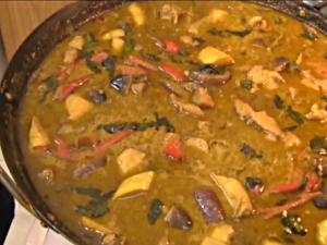 Thai Food: Thai Recipes: Thai Cooking Recipe: How To Make Thai Green Chicken Curry