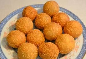 Red Bean Paste Sesame Balls, (Jin deui)