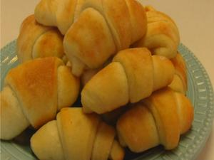 Betty's Homemade Sour Cream Crescent Rolls -- Easter