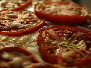 Easy Tomato Pizza
