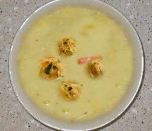 White Soup with Meatballs
