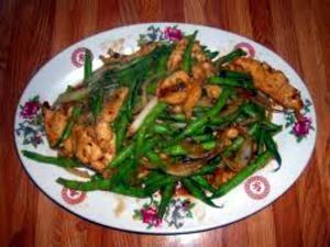 Wegmans Sesame Chicken with Lo Mein & Green Beans