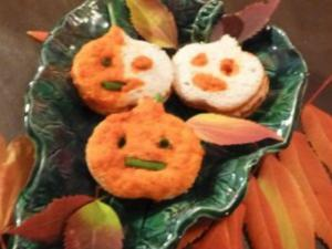 Jack O'Lantern Mini Turkey Sandwich