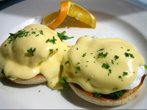 Eggs Florentine A L'Orange