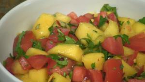 Spicy Mango Salsa with Tomato