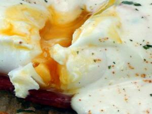 How to Make Mock Hollandaise Sauce - Easy Eggs Philly for Mother's Day!