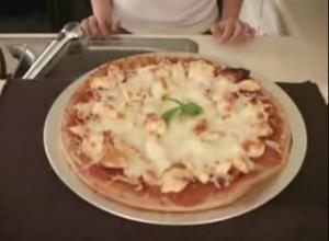 Chicken and Tomato Pizza